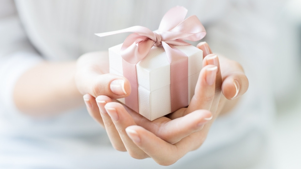 Gifts & Entertaining