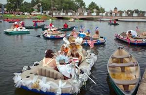 boat-parade-advocate-2013july4