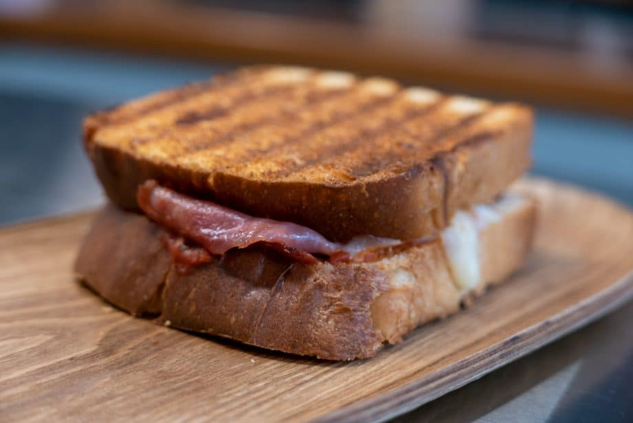 sandwich-tocino-panitier-01