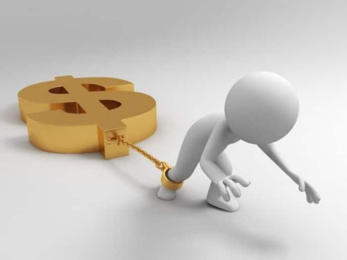 Esclavo de las deudas de tarjeta de crédito