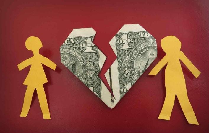 Los problemas deudas de tarjeta de crédito dañan los matrimonios