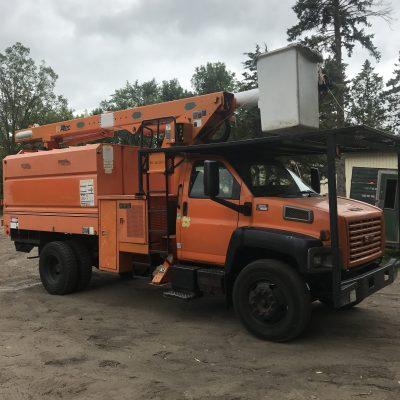 Boom & Bucket Trucks