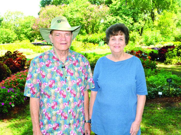 High school sweethearts, gardeners host Autumn at the Arboretum