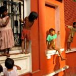 kids-on-building