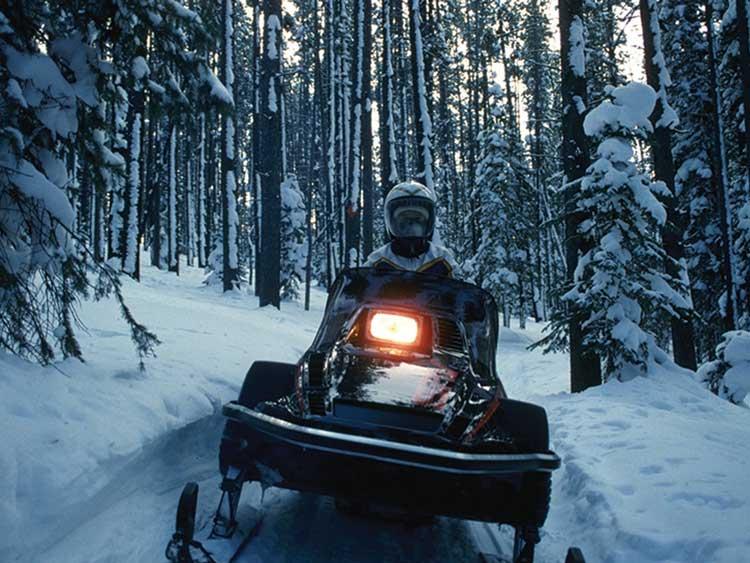 snow-machine-bighorn-mountains-buffalo-wy