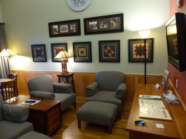 Floyd Hotel- living room