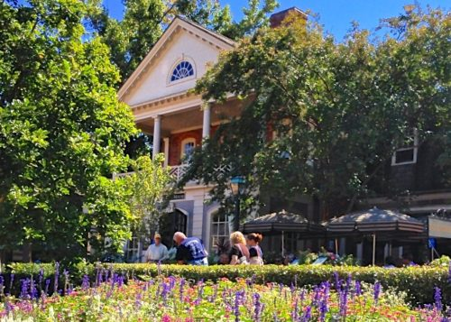 Colonial Williamsburg- house and garden