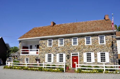gettysburg-getaway-dobbin-house-tavern-exterior