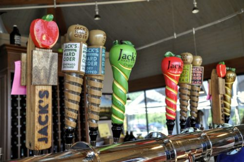 gettysburg-getaway-hauser-estate-winery-jacks-hard-cider-taps