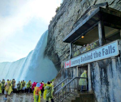 niagara-falls-journey-behind-the-falls