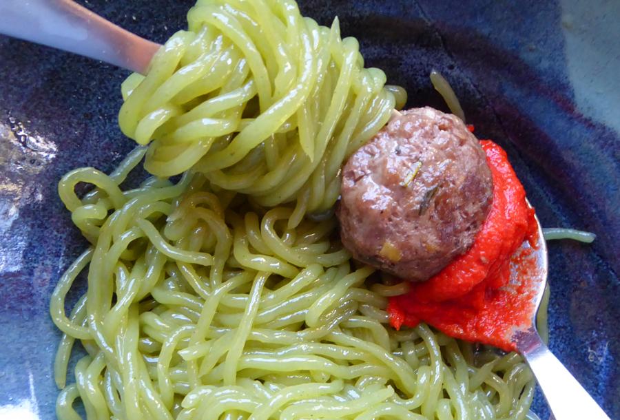 Spaghetti, Meatballs + Spicy Red Sauce (Tomato-Free)