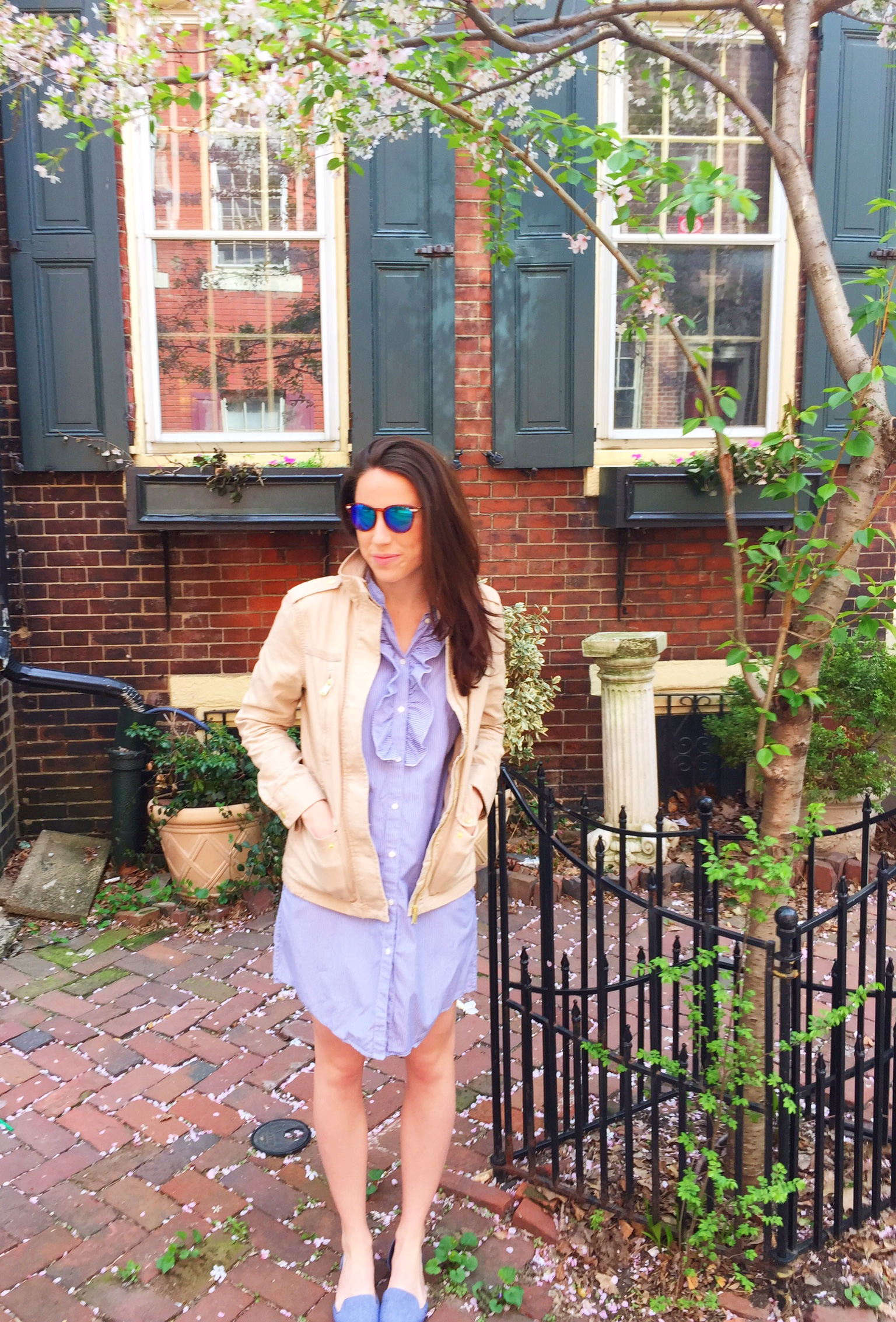 spring outfit idea | neutral jacket and chambray flats