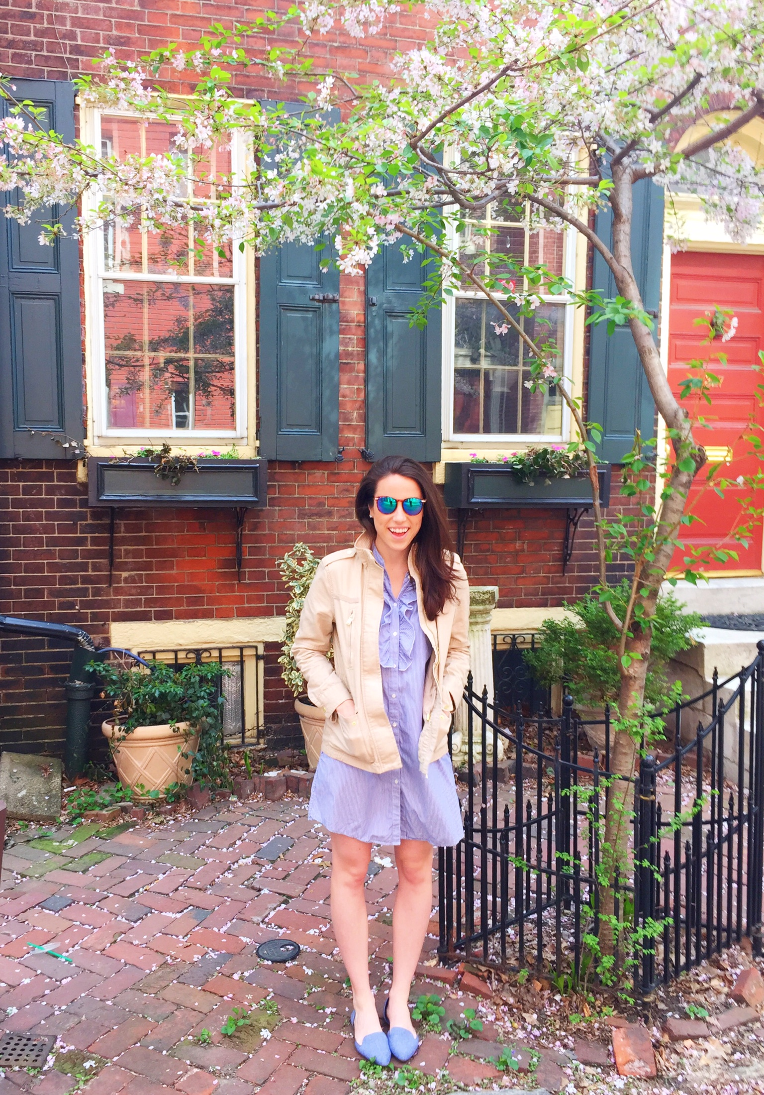 outfit idea | spring jacket chambray flats