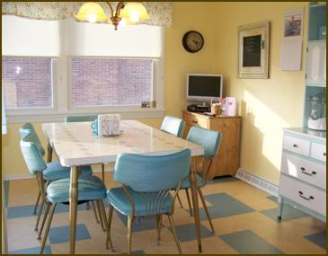 Vintage Kitchen 3