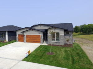 1016 Orchard Hills Drive, Norwalk, Iowa 50211