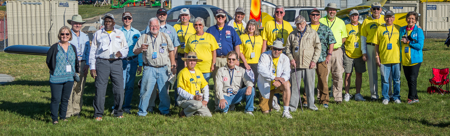 EAA Chapter 17 Group Photo