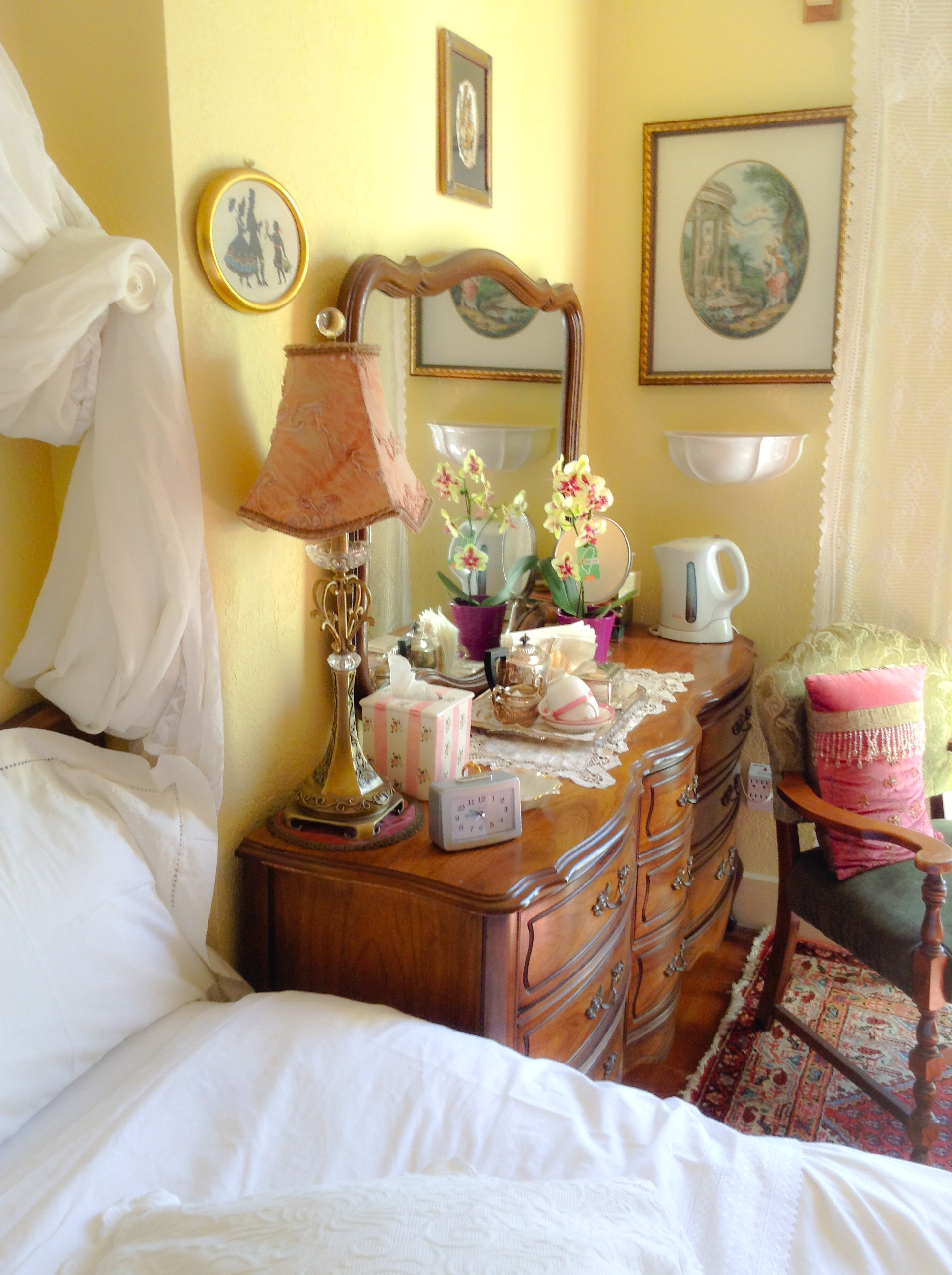 Victoria BC Accommodations in Our Lavender Room