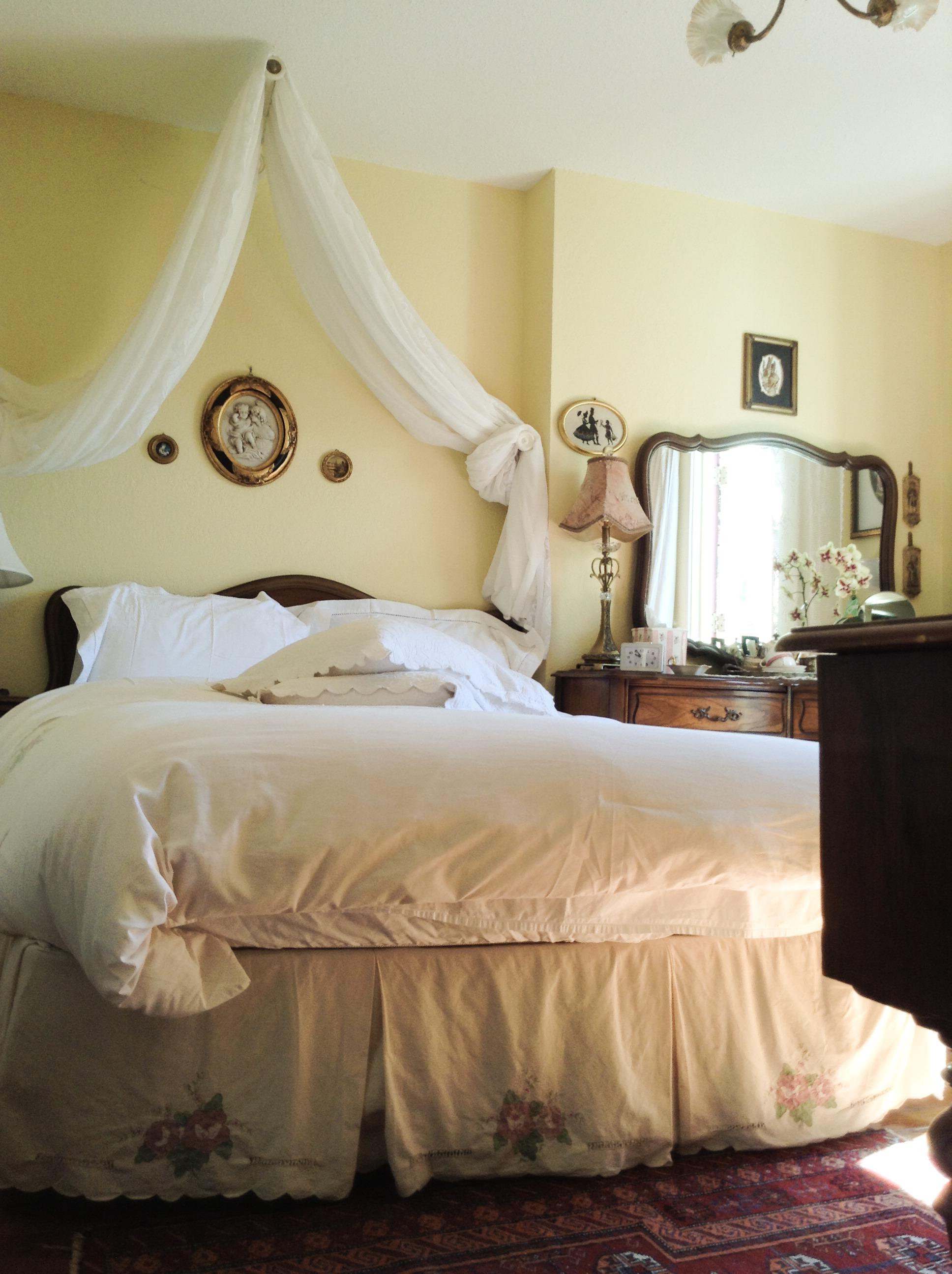 Lavender Room Comfy Queen Pillow Top Bed