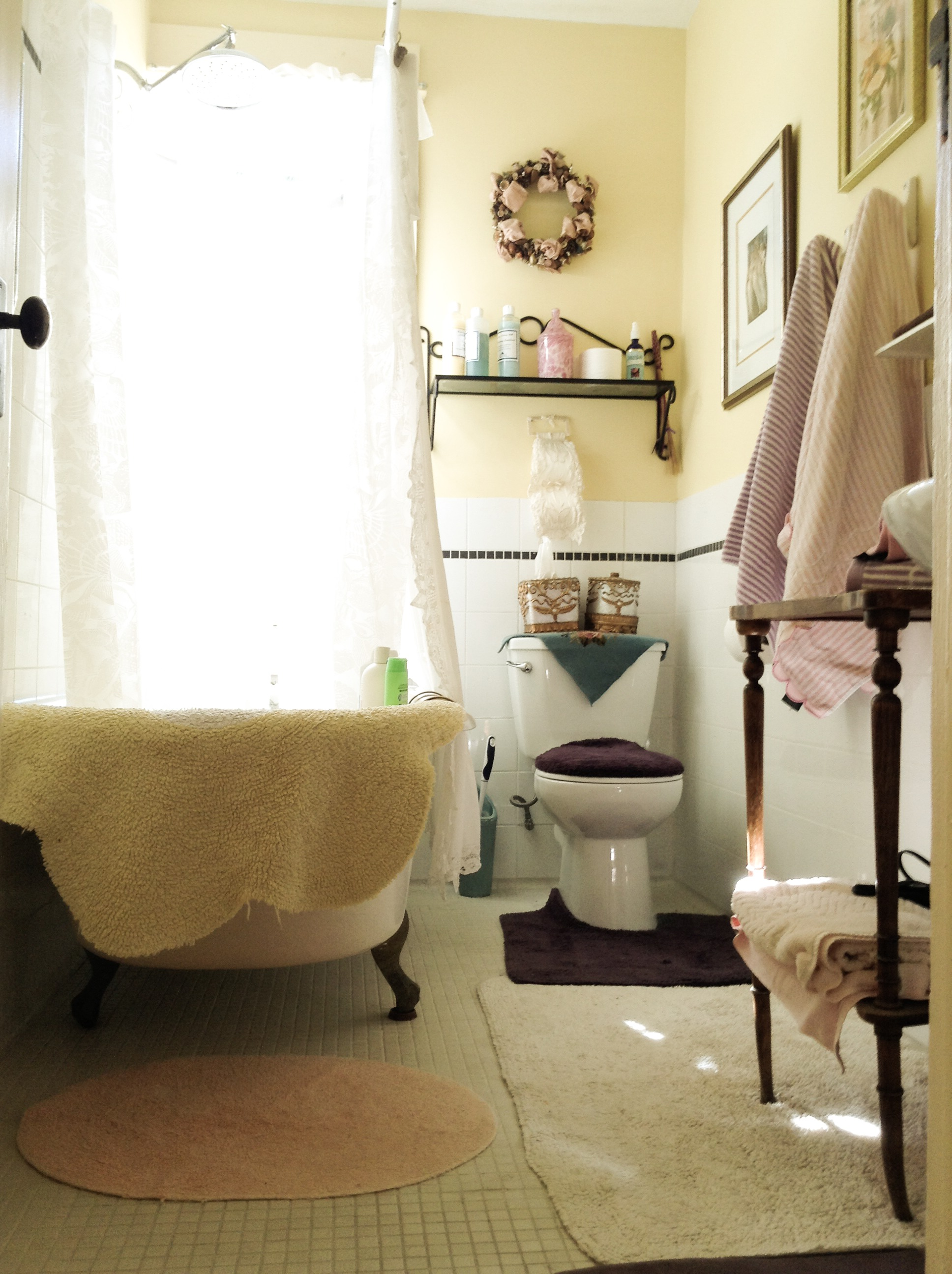 Private Lavender Bathroom Victorian Clawfoot Tub