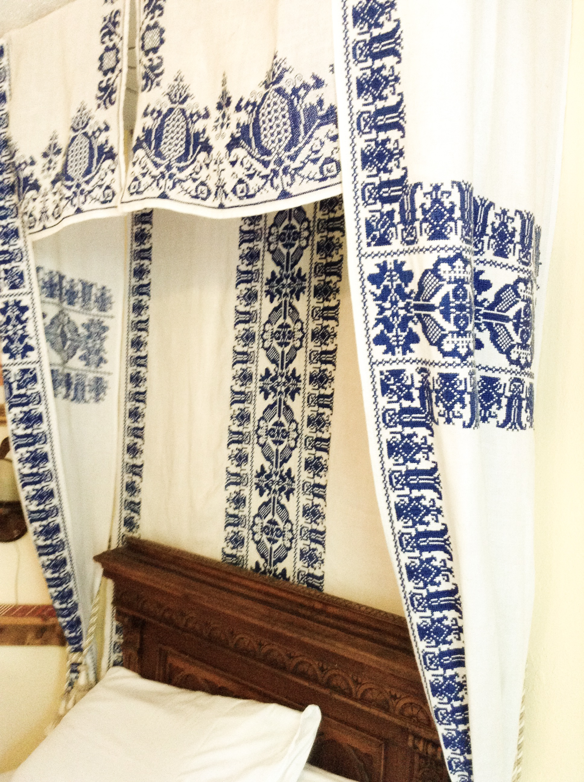 Unique Embroidery onBeautiful Hand Embroidered Bed Valence