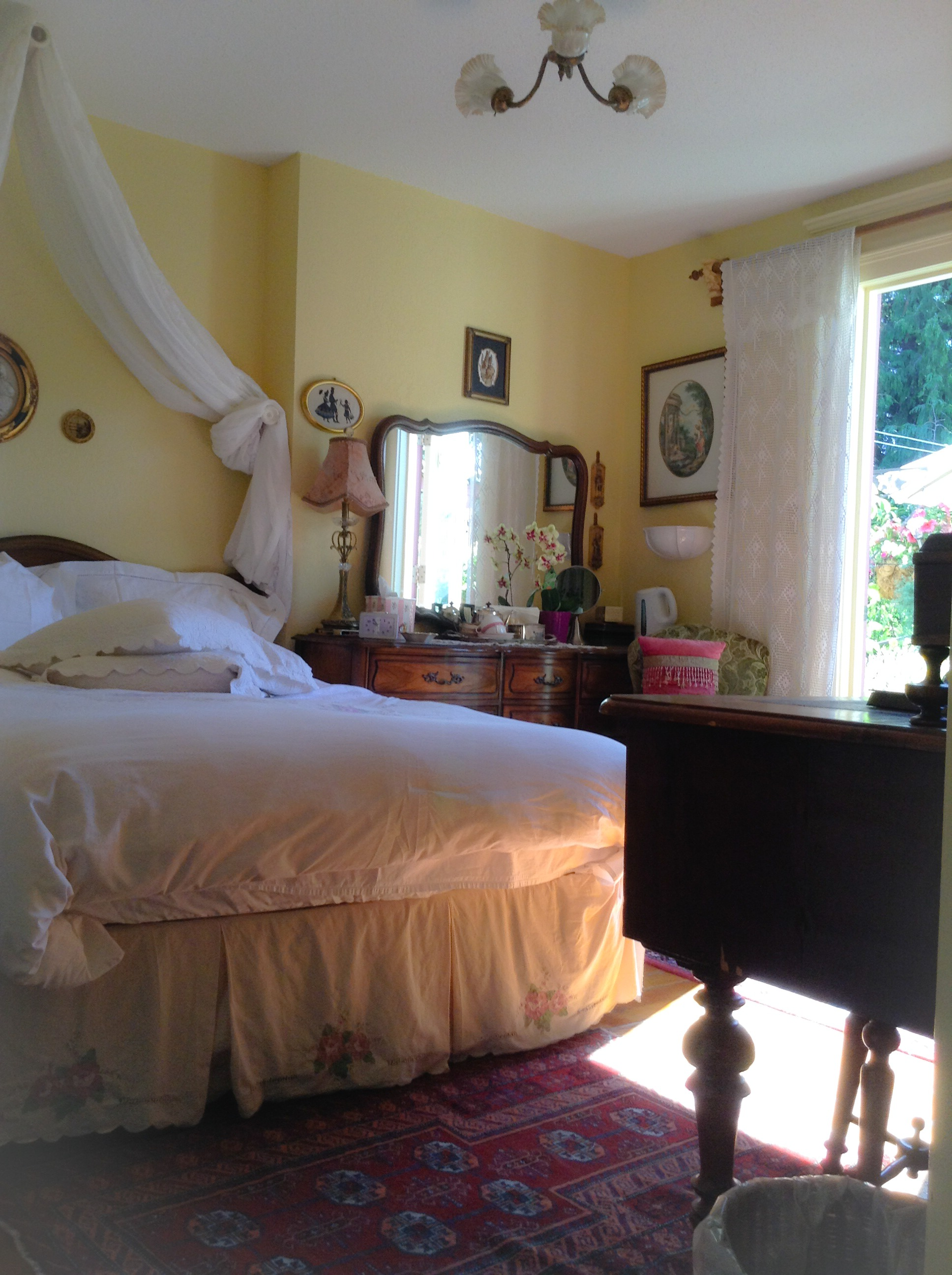 Lavender Room Furnishings