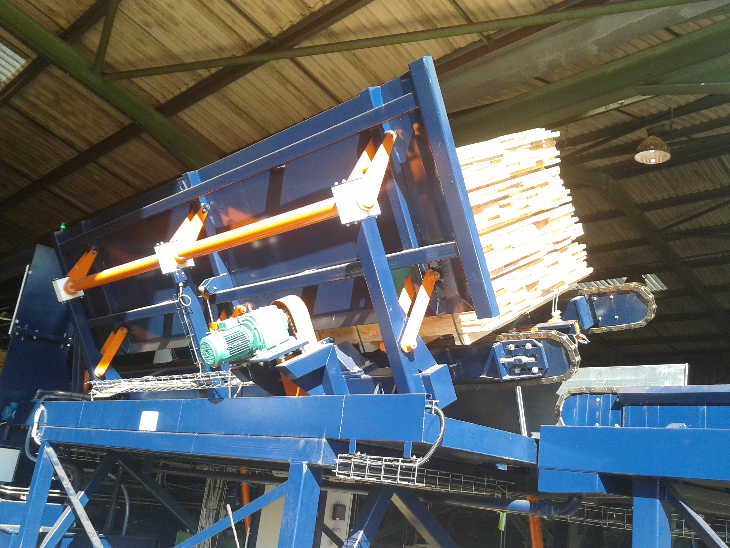Timber dip system w-chain feed 3