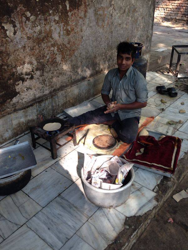 Learning hindi, Chapati walla, Chapati, Street food in India, Linving in Delhi