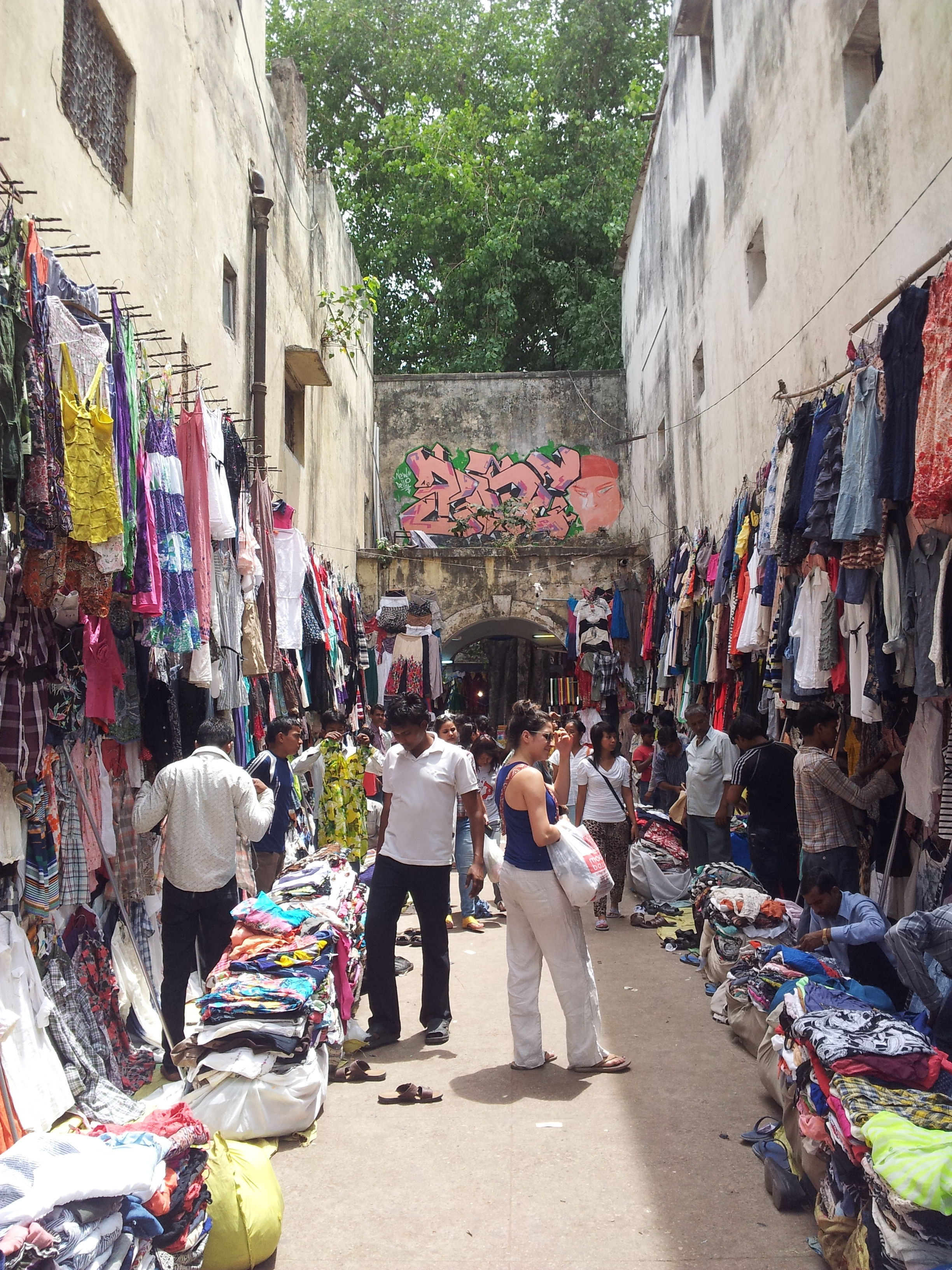 Sarojini Market, Shopping in Delhi