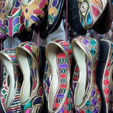 Shopping in New Delhi, shops in new delhi, delhi markets