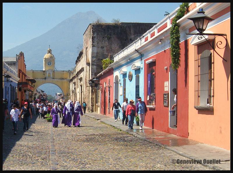 Les festivités de Pâques approchent à Antigua, Guatémala, 2014