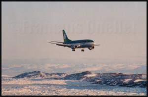 Aer Lingus Boeing B-737 en finale pour Iqaluit (1989)
