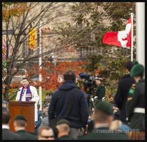 L'aumônier militaire au Monument commémoratif de guerre du Canada à Ottawa, le 22 Octobre 2015