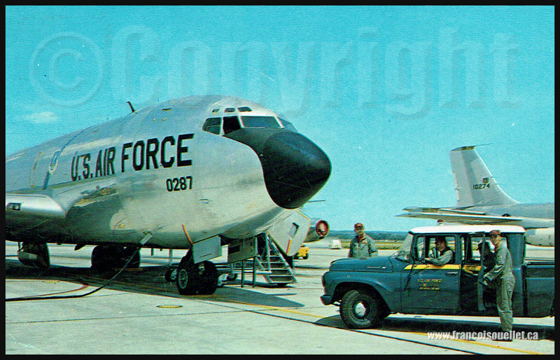 Équipage et KC-135 U.S. Air Force vers 1964 sur carte postale aviation