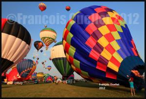 Un premier groupe de montgolfières sont autorisées à décoller au festival de St-Jean-sur-Richelieu en 2012