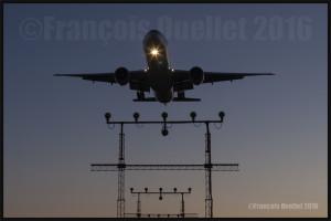 Air Canada Boeing 777 en finale 05 Toronto 2016
