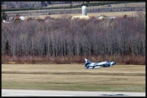 Un Hawker Hunter de la compagnie américaine ATAC est au décollage de l'aéroport international Jean-Lesage de Québec (CYQB) en mai 2016