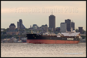 Le navire Cap Jean, propriété de la compagnie Euronav, devant Québec en 2016