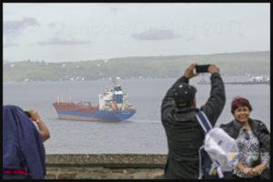 Le navire Havelstern et l'île d'Orléans en arrière-plan, juin 2017