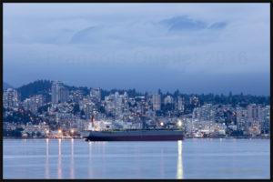 Le navire-cargo Corona Frontier dans le Port de Vancouver en 2016