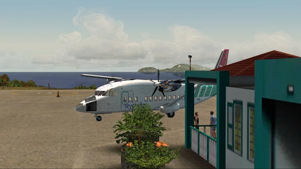 Le Shorts 360 est stationné à l'aéroport Juancho E. Yrausquin.