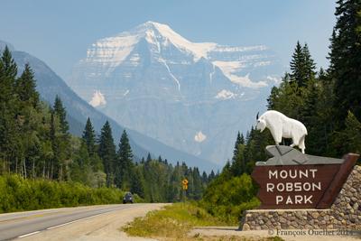 Une vue de Mount Robson en 2014.