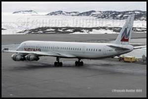 Photos sur films: avions et hélicoptères vus à Iqaluit entre 1989 et 1991