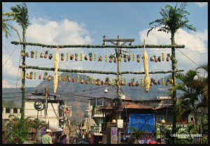 3881-Decorations-ahead-of-Easter-in-Guatemala-web
