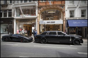IMG_5282-England-2015-black-Lamborghini-and-Rolls-Royce-web