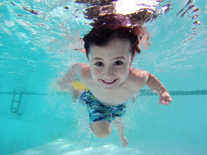 PUBLIC HEALTH AGENCIES ISSUE ORDER TO CLOSE PUBLIC SWIMMING POOLS