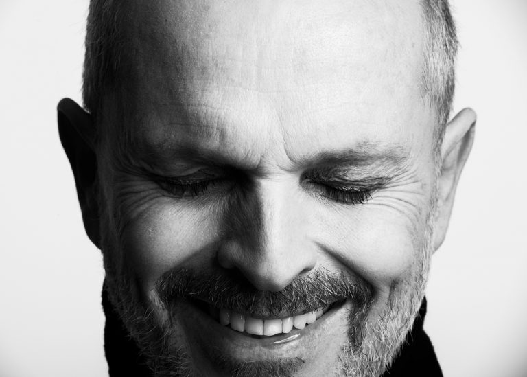 miguel bose portrait by ricardo pinzon colombian photographer