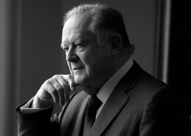 Luis carlos sarmiento angulo/banker for gente magazine colombia 1