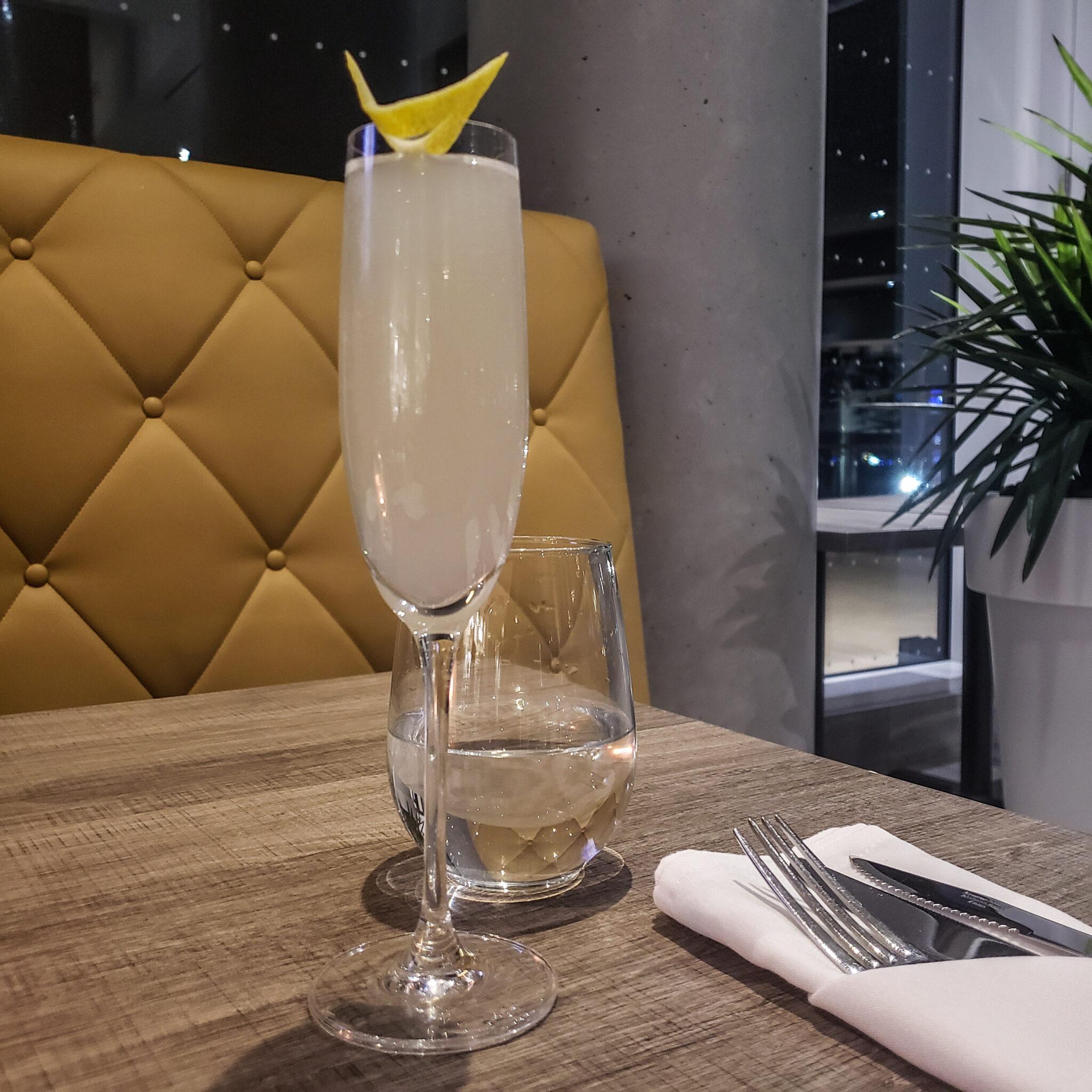 Hotel X Toronto - Luxury Resort - Maxx's Kitchen - Cocktails