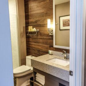 Hotel Malcolm Canmore Alberta - Canadian Rockies - Room Interior - Bathroom