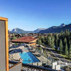 Hotel Malcolm Canmore Alberta - Canadian Rockies - Pool View